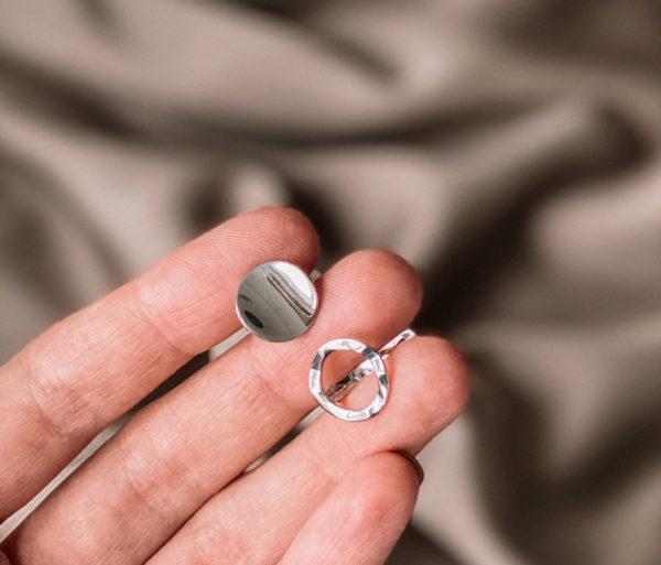 Асимметричные серьги на каждый день изготовлены из серебра 925 с родиевым покрытием. Английский замок. Гипоаллергенно!